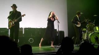 PJ Harvey & John Parish - Sixteen, Fifteen, Fourteen [Live]