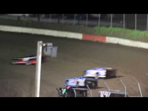 MVI 6160    I 80 SPEEDWAY 4/21/2017  LATE MODEL FEATURE PART #1