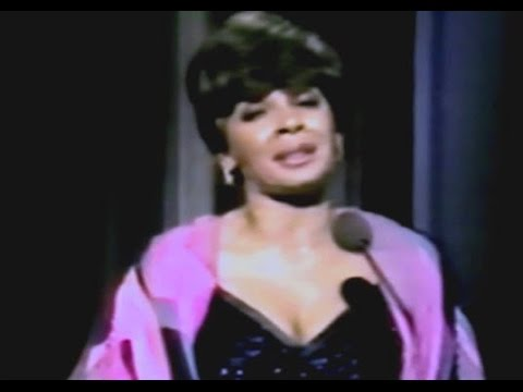 Shirley Bassey - Born to Lose