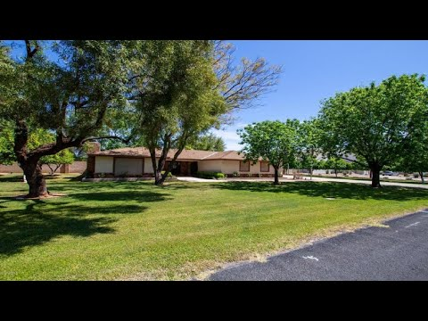 825 N Tucana Lane, Gilbert, AZ Presented By The Mister Rogers Homes Team.