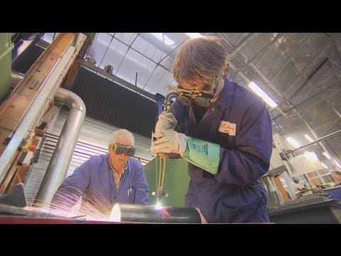euronews reporter - Fighting youth unemployment in the Netherlands