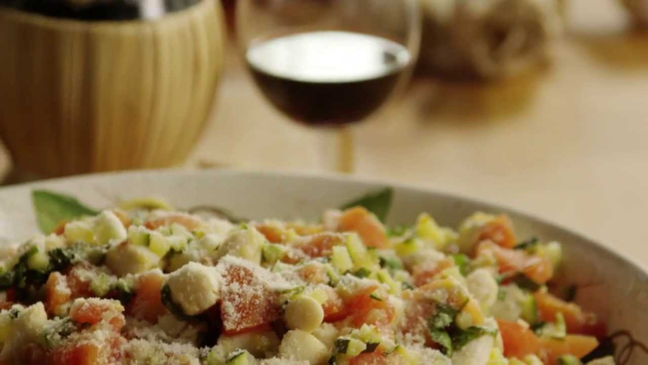 Pasta With Scallops Recipe How To Make Pasta With Scallops Zucchini And Tomatoes