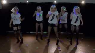 舞碼名:Sigma 熟女的逆襲表演舞者:佳蕙、小君、雅雯、小花、小孟介紹...
