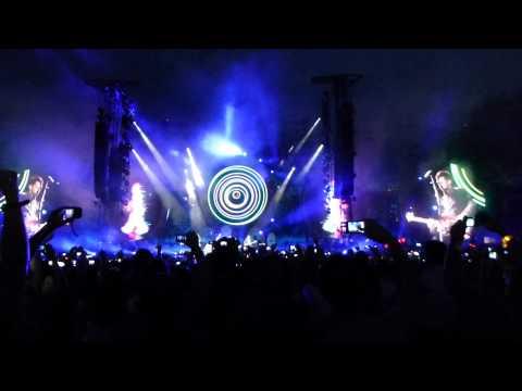 Coldplay Intro - Mylo Xyloto - Hurts Like Heaven Live Torino [Full HD 1080p]