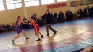 Драка на Чемпионате Украины вольная борьба(через YouTube Объектив., 2015-02-05T10:50:43.000Z)