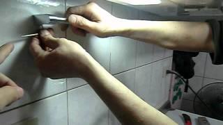 系統廚具工程現場-安裝廚具的收尾工程