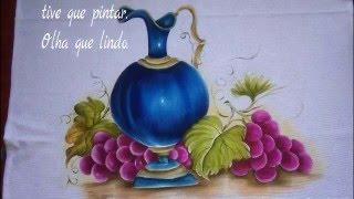 Veja como fazer lindas uvas utilizando as cores magenta, púrpura e vinho