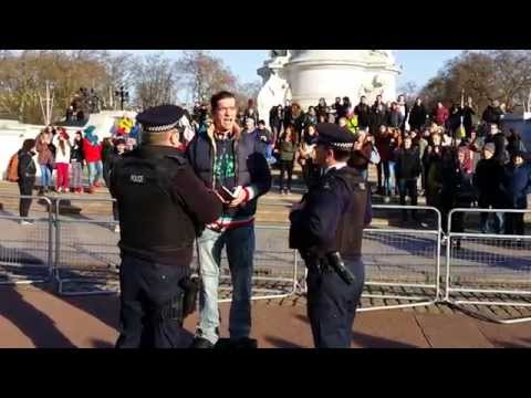 Homeless Preacher got stopped by Police at Buckingham Palace - 2015.