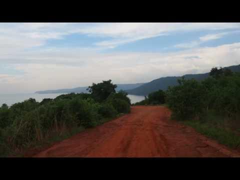 P2243136   Weg naar Tanganyika meer
