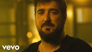 Antonio Orozco, KAROL G - Dicen