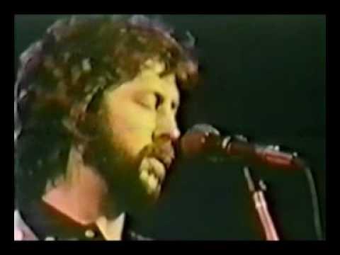 Muddy Waters & Eric Clapton - Standing Around Crying - Live 1978