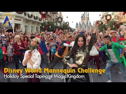 Disney Holiday Mannequin Challenge on Main Street with Descendants 2 cast