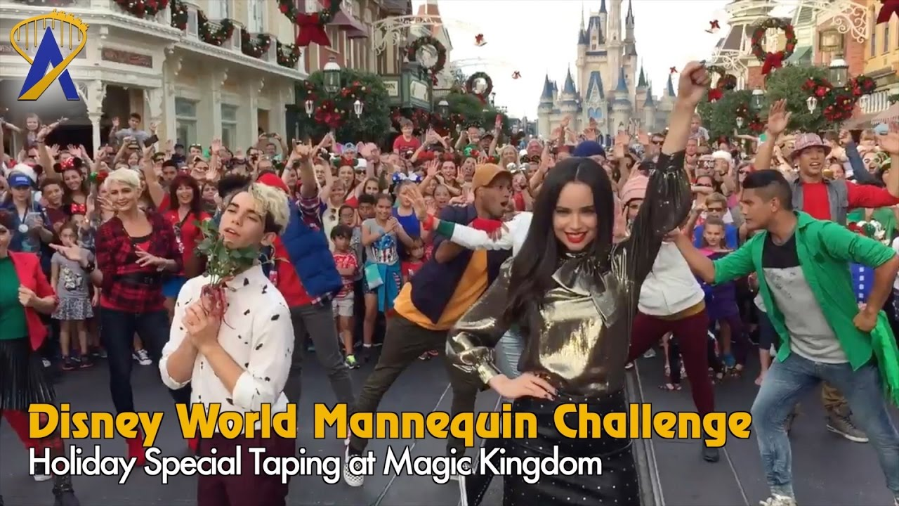 Disney Holiday Mannequin Challenge On Main Street With