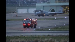 緊急着陸 F-15 イーグル アレスティングフックで着陸 Emergency landing F-15 landing with Eagle Arresting Hook thumbnail