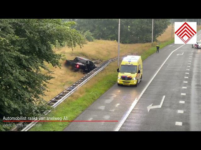 Automobilist raakt van snelweg A1 De Lutte