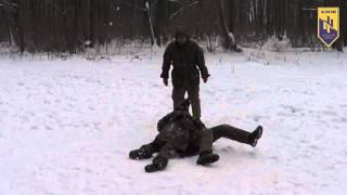 Урок по рукопашному бою в лагере