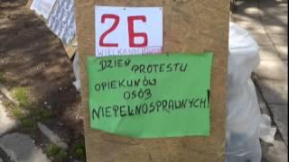 26 dzień protestu opiekunów osób niepełnosprawnych pod Sejmem