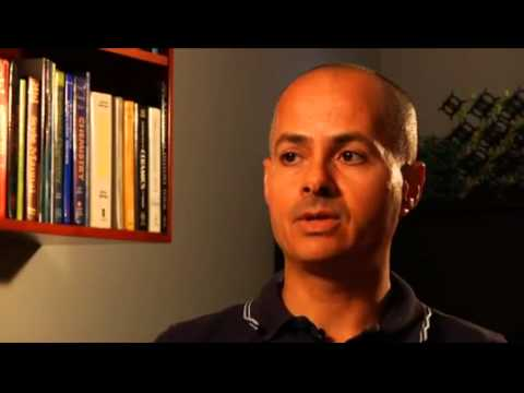 Capturing CO2, an interview with Omar Yaghi   YouTube