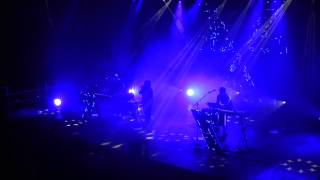 CHVRCHES - By The Throat - Berlin Columbiahalle - 25.03.2014