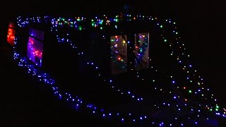 The Lights are On: A Cosy Christmas Narrowboat! (Going overboard with decorations!)