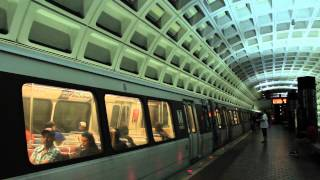 WMATA Metro: Yellow Line train at Archive Station (DC)