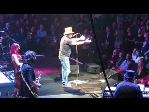 "Zucchero - Con le mani  "" Royal Albert Hall "" London 21.10.2016"