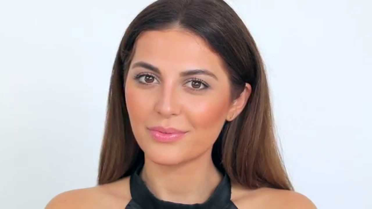 How To Use Hourglass Ambient Lighting Bronzer With Sona Gasparian  Sephora
