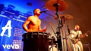 Slaves - Sockets (Live At Scala)