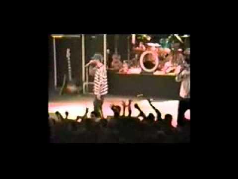 Beastie Boys LIVE at Universal Amphitheatre, LA 1992 (FULL)