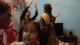 এই দেখুন পাগলা নাচ (pagla dance) বউ শাশুড়ি  আর ও কয়েকজন , আগে দেখুন তারপর বুঝবেন ।