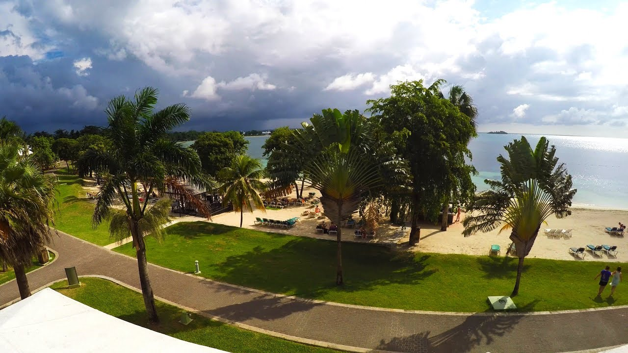 clubhotel riu negril ocean view room review riu club hotel. Black Bedroom Furniture Sets. Home Design Ideas