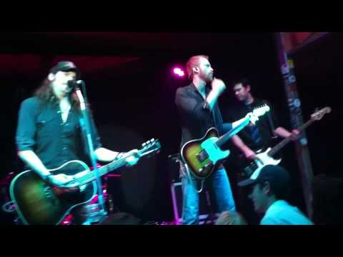 Mickey And the Motorcars  1-22-2011 @ hanks everybody knows that your on my mind.MOV