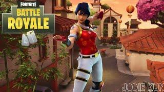 Fortnite Battle Royale: Skin Scarlet Defender / Scarlet Protector (Emote Reanimated/Living Death)