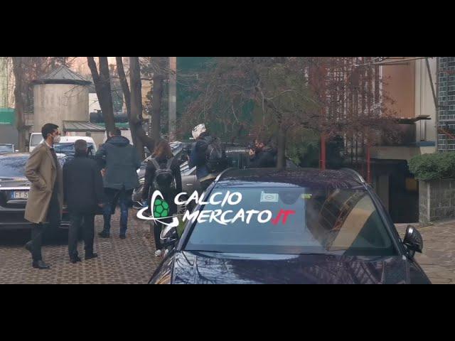Milan, le visite mediche di Mario Mandzukic   VIDEO CMIT