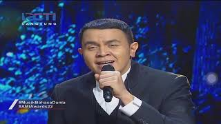 Gambar cover Yovie Widianto ft. Glenn Fredly, Tulus -  Adu Rayu @ AMI Awards 2019