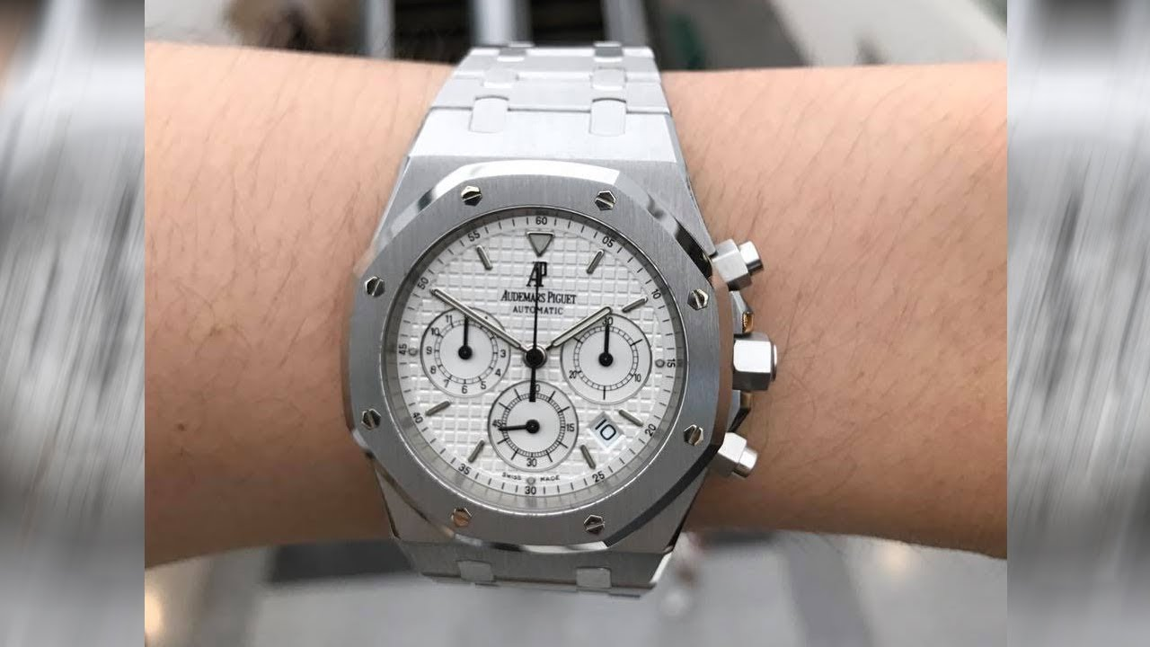 9c259de5716 Audemars Piguet Royal Oak Chronograph 25860ST Silver-toned dial 39 mm steel  luxury watch on wrist