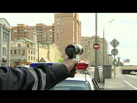 Дорожные инспекторы временно отказались от ручных радаров для фиксации превышения скорости.