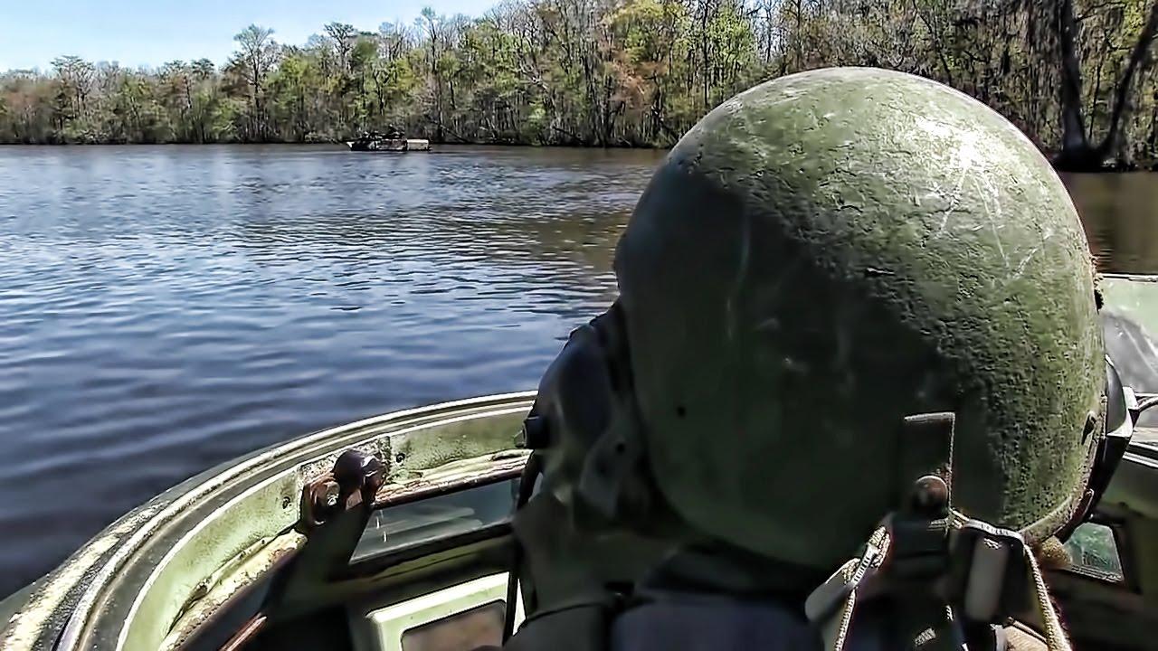 Assault Amphibious Vehicles Cross A River • Driver View