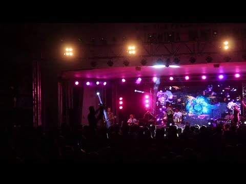 Sunidhi Chauhan LIVE at Mithibai College | TRINITY Fest | Dhinchak Production