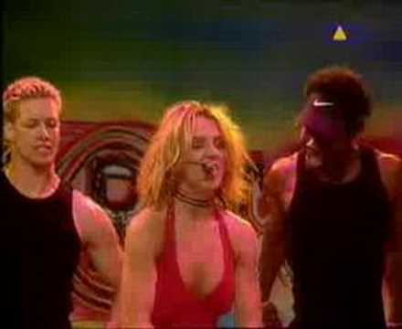BRITNEY SPEARS.oops i did´tn again(LIVE)