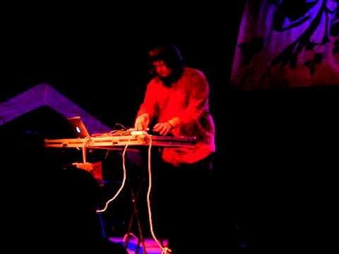 Star Slinger - #3 (live @ Creepy Teepee 2011)