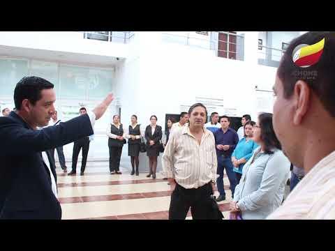 Alcalde de Chone Leonardo Alcalde de Chone Leonardo Rodríguez acudió al Municipio y habló con funcionarios municipales