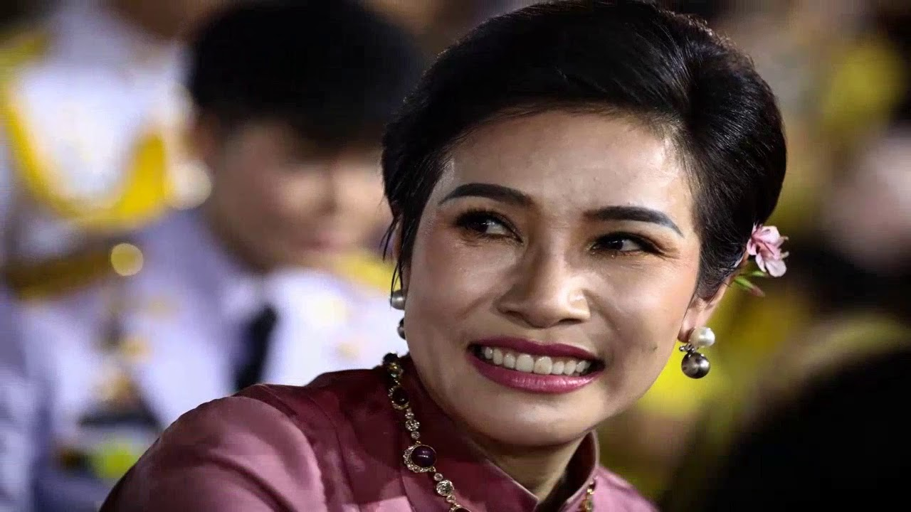 Download Thailand's playboy king makes mistress his second queen as birthday present