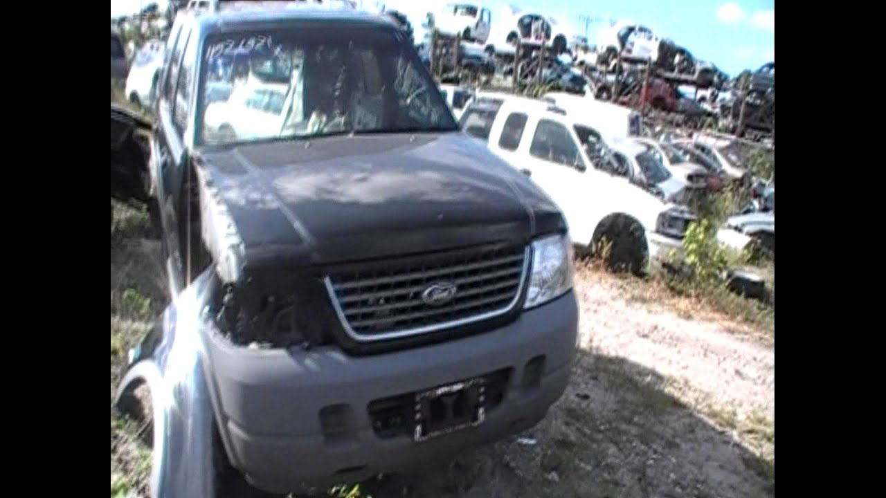 Just In Wrecked 2002 Ford Explorer 4 Door 4 0l V 6 2wd