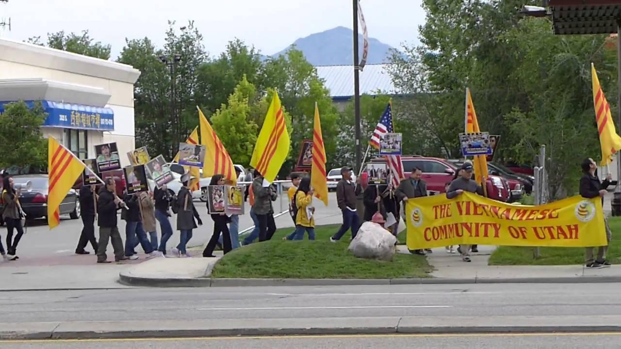 Image result for utah biểu tình ủng hộ đồng bào quốc nội