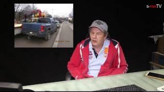 Polizeikontrolle: Dodge fällt vom Abschleppkran