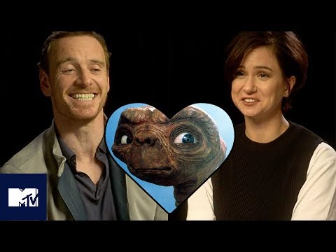 Michael Fassbender & Katherine Waterston Play Snog/Marry/Avoid: ALIEN Edition! 😘  MTV