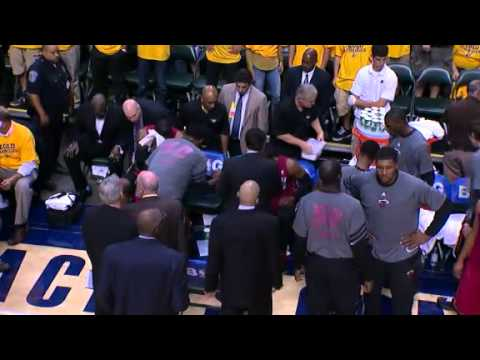 Wade & Coach Spoelstra FIGHTING DURING TIMEOUT!