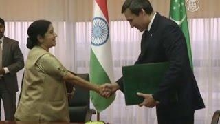 Индия и Туркменистан будут сотрудничать (новости)(http://ntdtv.ru/ Индия и Туркменистан будут сотрудничать. Главы МИД Индии и Туркменистана подписали в Ашхабаде..., 2015-04-09T09:34:03.000Z)