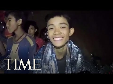 A Second Video From The Cave Shows Thai Navy Seal Treating Boys' Cuts | TIME